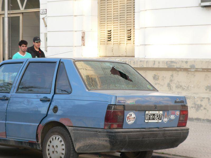 El auto baleado