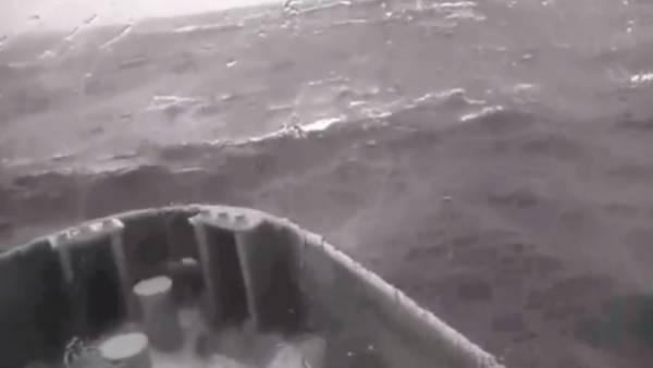 Impresionantes-olas-enfrentar-naufragos-argentinos_CLAVID20140904_0014_34