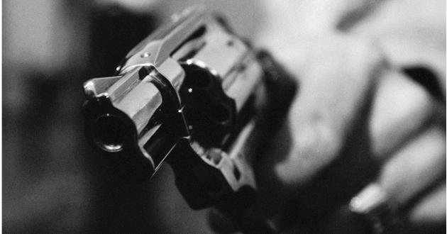 pistola delincuente armado