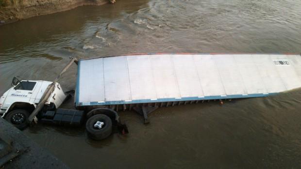 camion vuelco