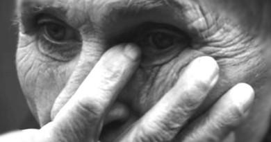 abuelo hombre mayor
