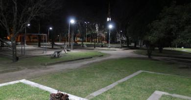 plaza martín ferro iluminada