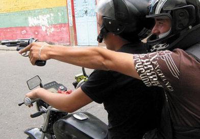 """Identificaron a los """"motochorros"""" pero los allanamientos fueron negativos"""