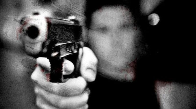 pistola-apuntando-615x410