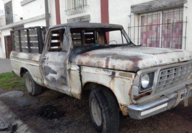 Incendio de vehículo en Combate de Obligado al 1600