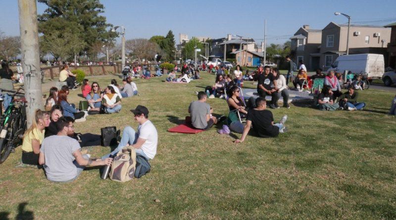 DJ´s y música en el bulevar para festejar el inicio de la primavera
