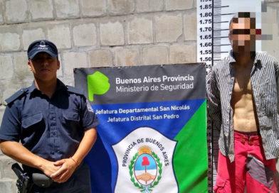 Detenido por intentar agredir a efectivos policiales con un cuchillo